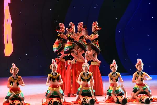 cctv舞蹈大赛-西昌银河艺术学校