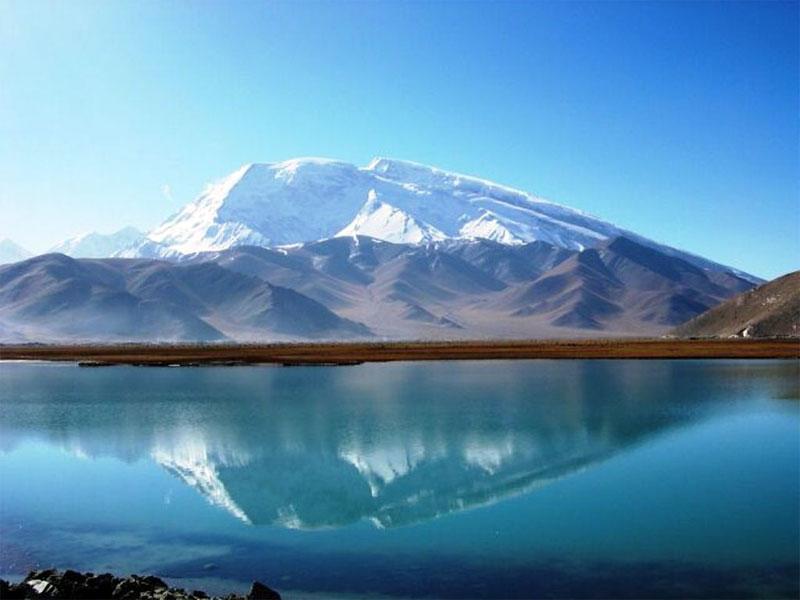 名称: 慕士塔格峰 产地: 新疆维吾尔自治区 单位: 省外旅游 价格: 0.