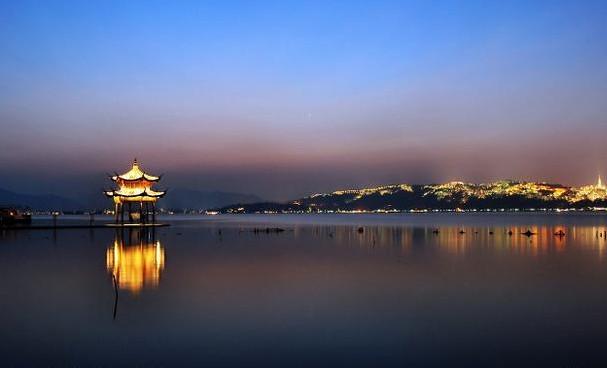 详细介绍                           杭州西湖风景