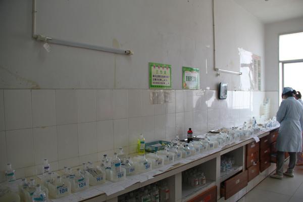 医院   院附属医院治疗室   医院治疗室效果图_护士站治疗室